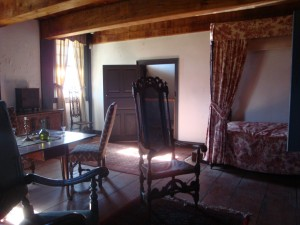 GHOST HUNTING - Old Bethpage Village Restoration - Schkank Parlour